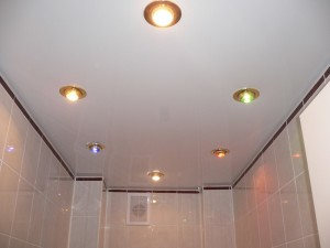 дизайн интерьера с натяжным потолком