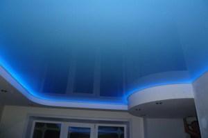 потолок с посветкой